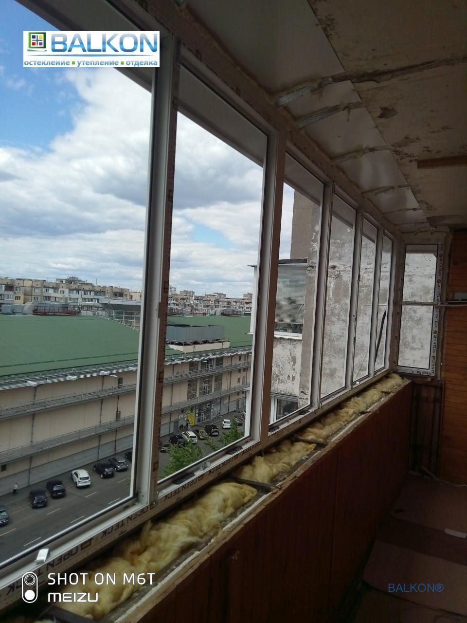 Балкон с выносом по подоконнику Киев пр. Оболонский 28 - бригада №4