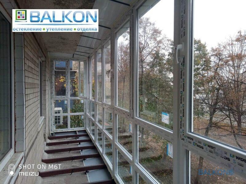 Французский балкон с выносом по плите фото © Застеклить Балкон