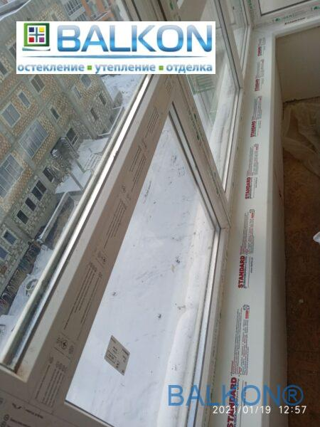 Пластиковый подоконник Danke (Данке) на балконе фото бригады №15
